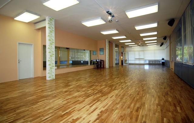 Vrhunski uređene dvorane za ples